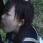 女子校生にチ○ポをしゃぶってもらいました。
