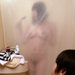 シャワーカーテンがスケスケ!