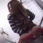 公衆便所でマンズリする変態女は本当にいた!DX 4時間
