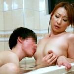 母親と近●相姦したくてたまらない息子!