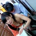 ベランダで洗濯物干し中の人妻にイタズラ2