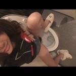 素人投稿 自画撮りシリーズ061 排泄トイレ FILE8