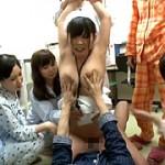 ●●病棟の巨乳看護師をいじめるパジャマっ子グループ