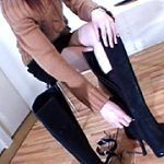 ブーツを脱ぐ女3
