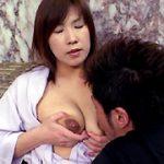 熟れた人妻のあま〜い母乳