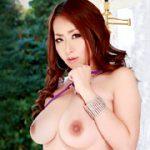 巨乳奥様モデルグラビア撮影 青山葵