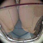 粘着盗撮 透明椅子に押し付けられる素人女の生パン