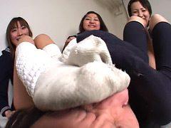 女子校生のすっぱい拷問