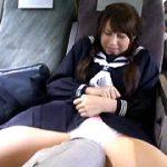 対面座席で脚を絡ませても抵抗しない女子校生4