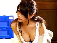 SEXレスな美人主婦は家に上がって来る男で欲求を満たす2