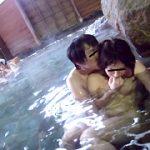 混浴温泉で痴漢され感じてしまった巨乳女は拒めない