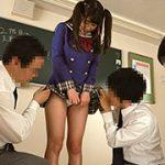 人気アイドルとヤリまくり学園生活 青山希愛