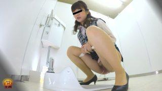和式トイレ盗撮 便槽内叩きつけ! レーザービーム尿軸おしっこ3 OL編