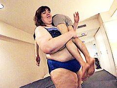 身長205cm!巨女ガリバー ランボリーナ