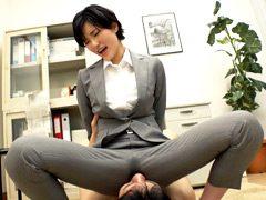 現役女教師が媚薬で失禁おもらしキメパコ生中出し!?
