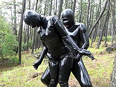 Rubber Fetish World~野外露出ラバーSEX~